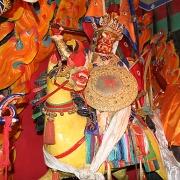 西藏甘丹萨济寺的金甲衣圣像